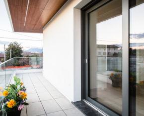 terrace_glass_window